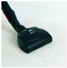 čištění matrace malým klepačem hyla