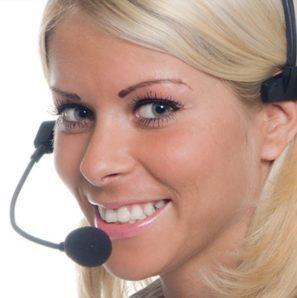 Telefonistka nabezplatné lince 800 100 053 firmy Hyla