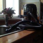 jednoduché čištění ucpaného umývadla vodním vysavačem hyla